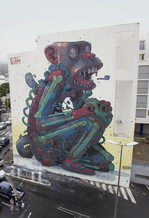 Aryz, street artist di Barcellona, ci aveva abituato a stupende opere murarie, ora è alle prese anche con illustrazioni classiche, riuscendo decisamente bene anche in questo.
